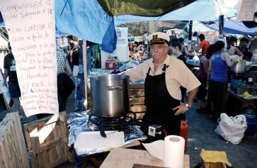 Voluntario de cocina durante el 15 M 2011 en la Puerta del Sol