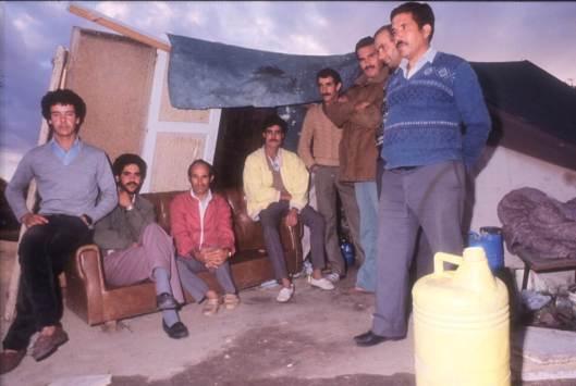 Inmigrantes marroquíes en Boadilla del Monte, Madrid, 1987.