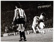 El Manito celebrando un goool en el estadio Santiago Bernabeu, marzo, 1988.