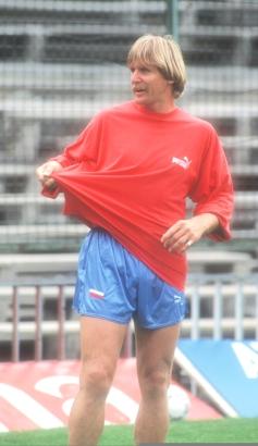 Schuster no tuvo un lío, tuvo tres. Aquí en un entrenamiento con el Atleti, 1992.