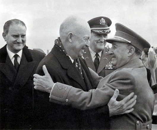 Franco-despide-a-Eisenhower1