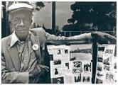 James Yates, perteneciente al Batallón Lincoln de la XV Brigada Internacional. Nació en 1906 y falleció en 1992. La foto es de octubre de 1986, tomada en El Retiro, en el homenaje a las Brigadas Internacionales por el cincuenta aniversario de la defensa de Madrid. Han pasado otros treinta años más.