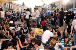 La Puerta del Sol ocupada durante el 15 M de 2011