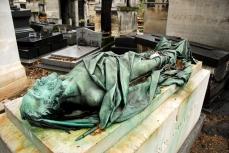 Tumba de Godefroy Cavegnait (1800-1845), escritor y periodista en el cementerio de Montmartre.