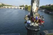 Le Pont des Arts, l'amour eternel.