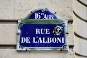 En la película la acción sucede en 1, rue Jules Verne.