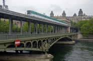 El puente Bir-Hakeim, la línea 6 del metro