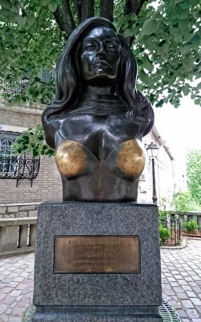 Yolanda Gigliotti, Dalida (1933-1987), monumento en Montmartre, París. Photo: Ana M Poulido