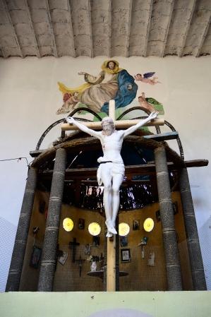Cristo en lo que será el altar mayor de la catedral de Justo Gallego en Mejorada del Campo.