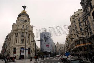 El edificio Metrópolis pertenece a la calle Alcalá. El número 1 de la Gran Vía corresponde al edificio Grassy.