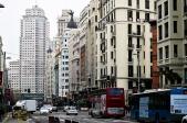 El tramo final de la Gran Vía conduce a la Plaza de España, donde se levantan los edificios emblemáticos de La Torre de Madrid y el Edificio España, obra de los arquitectos e ingenieros Otamendi Machímbarrena, de 1959. Actualmente están en proceso de rehabilitación y transformación.
