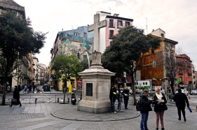 La Plaza de Puerta Cerrada, que marcaba en la época de Tristana y de Fortunata el extramuros de Madrid. No dista más de cuatrocientos metros de la Puerta del Sol.