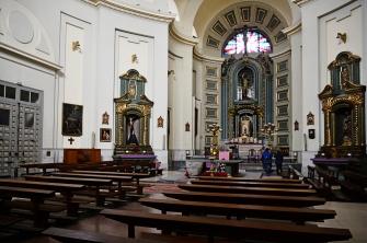 Interior de la iglesia de San Sebastián, en la calle Atocha, donde se apostaba doña Benina y el mendigo ciego Almudena.