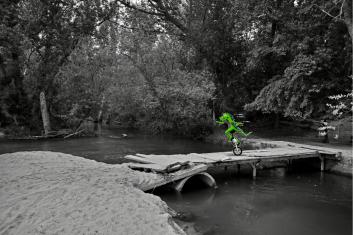 Pontón sobre el río Guadarrama, muy cerca de la M513